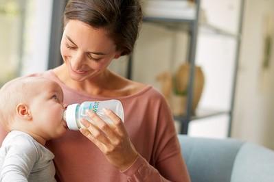 TESTOWANIE: butelki do karmienia niemowląt z klinicznie udowodnionym systemem antykolkowym