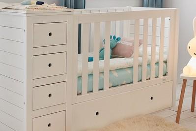 Jakie powinno być łóżeczko dla niemowlaka?