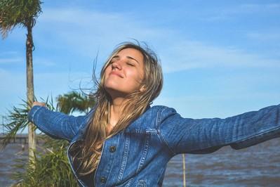 Uroda na wiosnę – naturalna pielęgnacja włosów, dłoni i paznokci