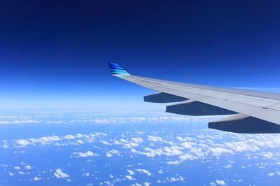 Jak uprzyjemnić sobie lot samolotem?