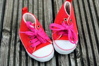 Naucz dziecko wiązać buty w 2 minuty! Prosty sposób