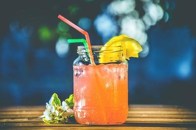 Domowe napoje izotoniczne dla dzieci TOP 3
