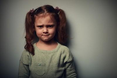 Bite dzieci – jakie są rodzaje przemocy? Jak je rozpoznać? Jak pomóc?