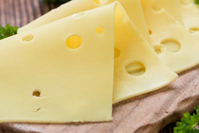 Jakie wartości odżywcze ma żółty ser?