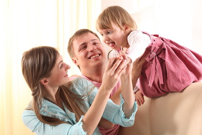 Pomysłowe ferie w domu – w co się bawić z dziećmi?