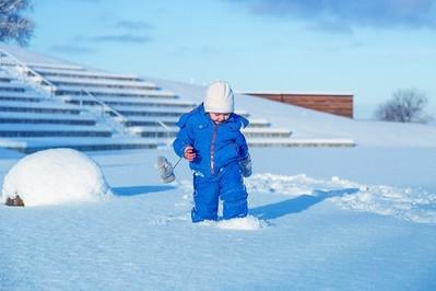 Jak chronić dziecko przed mrozem zimą?
