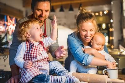 POŁOŻNA radzi: Ciężarna, matka karmiąca i niemowlak przy wigilijnym stole