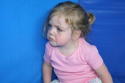 Te bóle u dziecka to niepokojący objaw - jak je leczyć?