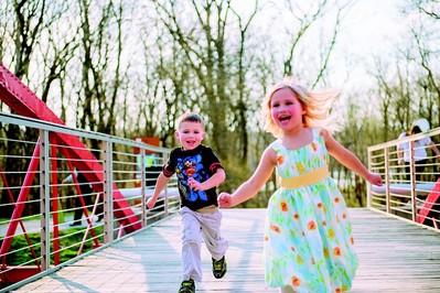 Zabawy ruchowe dla dzieci na dworze - nuczyciel WF poleca!