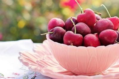 Ogonki z czereśni na odchudzanie i drogi moczowe - Nie wyrzucaj ich tylko zaparz!