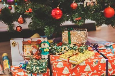 Mądra książka: udany prezent świąteczny dla malucha i starszaka
