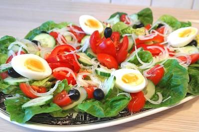 Przepisy wielkanocne – wykwintne sałatki na Wielkanoc