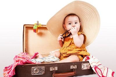 Pierwsze wakacje z maluchem - co ze sobą zabrać?
