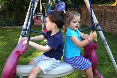 Podwórkowe BHP, czyli plac zabaw ma swoje prawa
