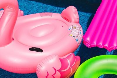 RATOWNICY apelują: Pilnujcie dmuchanych zabawek na plaży!