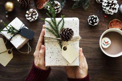 Jak zapakować prezenty na święta? FILMIKI