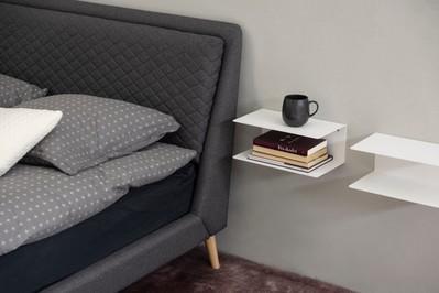 W jakich wnętrzach sprawdzą się minimalistyczne półki na ścianę?