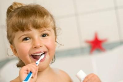 Kiedy dziecko boi się dentysty... - jak zapobiegać próchnicy u dzieci?
