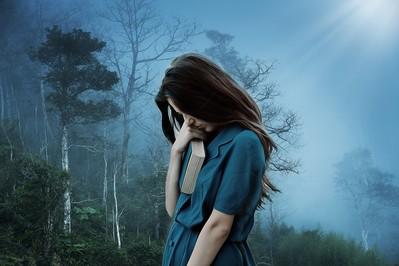 Różnice między depresją poporodową a zespołem baby blues