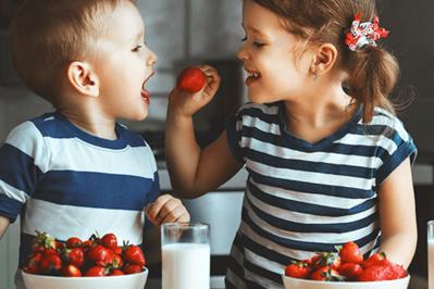 DIETETYK podpowiada: Jakie produkty spożywcze są niewskazane dla dzieci?