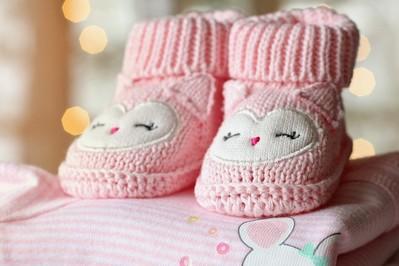 Jak ubrać niemowlaka i nie zbankrutować czyli mądre kompletowanie ubranek dla dzieci