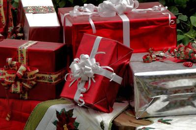 Prezenty świąteczne od serca – czym zaskoczyć bliskich?
