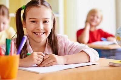 Jak wybrać dobre NNW szkolne dla dziecka?