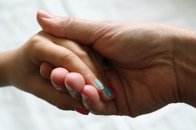SOS dla zniszczonych dłoni: wskazówki upiększające