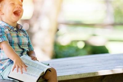 Nauka czytania: w szkole czy można zacząć uczyć czytania wcześniej?