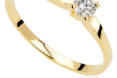 Jak Nosić Pierścionek Zaręczynowy Przed ślubem I Po ślubie