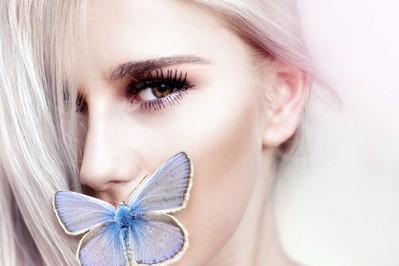 Trend! Siwy kolor włosów hitem wśród kobiet