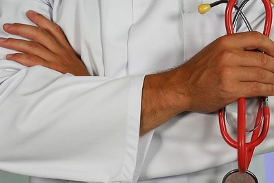 Zapalenie płuc u dziecka: jak się objawia, zalecenia dla rodzica i leczenie