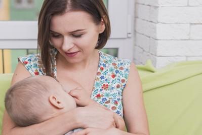 Macierzyński dobiega końca - prawa matki karmiącej w pracy