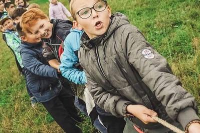 Wakacje 2020: czy kolonie i obozy letnie w czasie pandemii są bezpieczne dla dzieci?