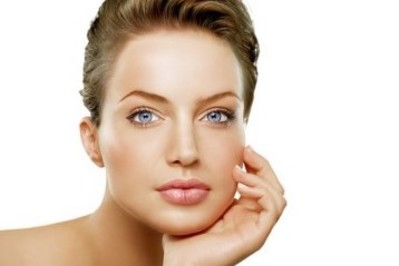 100% kwas hialuronowy – pielęgnacja dojrzałej skóry
