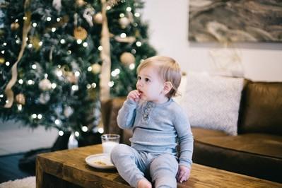 Jak ubrać choinkę przy niemowlaku?