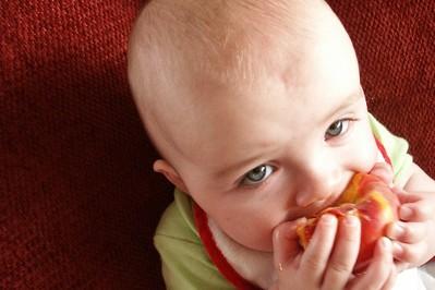 Jedzenie dla dzieci: gdzie i jak kupować?