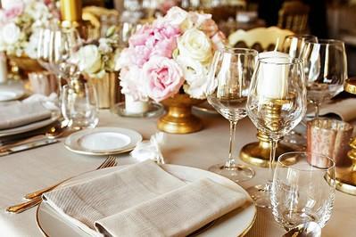 Weselny savoir-vivre: ile dać na wesele 2018? PODPOWIADAMY KWOTY!