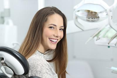 Wizyta u stomatologa w ciąży - co wolno a czego unikać?