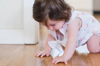 10 miesiąc życia dziecka: rozwój fizyczny i emocjonalny niemowlaka