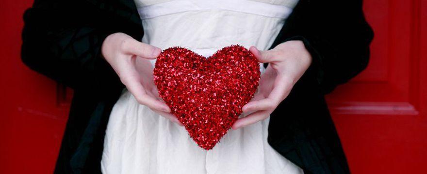 Walentynki: jak udekorować mieszkanie na dzień zakochanych ZDJĘCIA