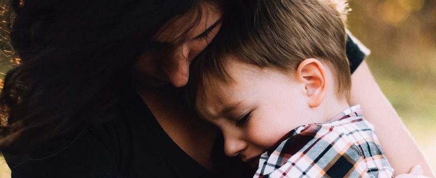 RAPORT NIK: matki z dziećmi i kobiety w ciąży potrzebujące schronienia – czy mogą liczyć na pomoc?