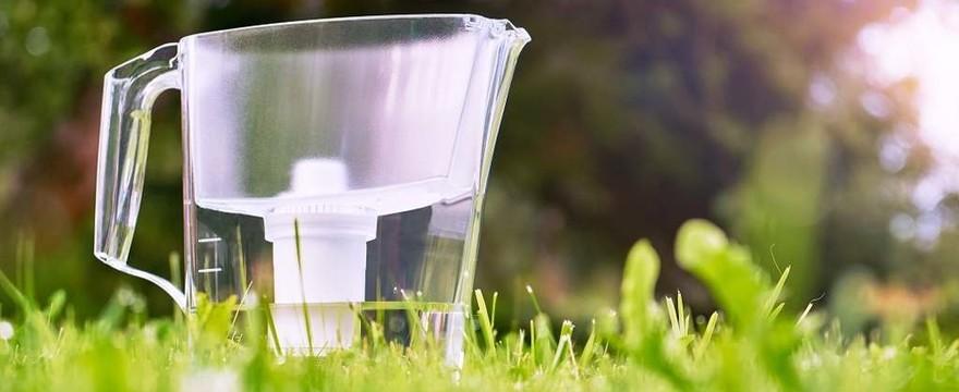 Jaki dzbanek filtrujący wybrać? Najlepsze dzbanki oczyszczające wodę!