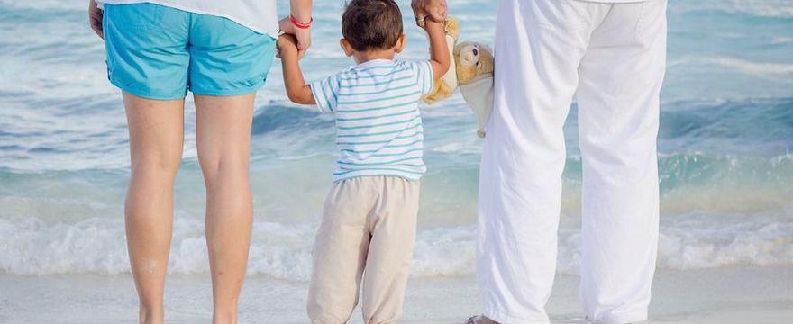 Karta EKUZ dla dziecka: jak wyrobić? Gdzie złożyć dokumenty i ile się czeka? KROK PO KROKU