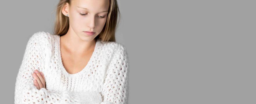Polskie nastolatki mają najniższą samoocenę w Europie! Dlaczego postrzegają się tak krytycznie? WYWIAD Z PSYCHOLOGIEM