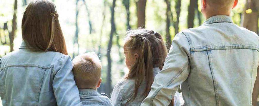 Świadczenia rodzinne 2020: które Ci się należą, jakie wnioski i gdzie składać, kwoty? SPRAWDŹ!