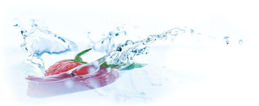 Co dawać dziecku do picia w upały? WZÓR ile wody powinno pić dziecko