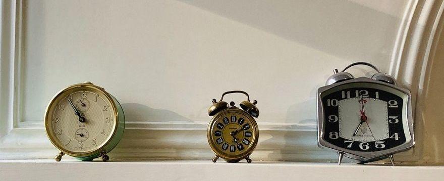 Zmiana czasu: dlaczego po zmianie czasu czujemy się zmęczeni i jak się do niej przygotować?