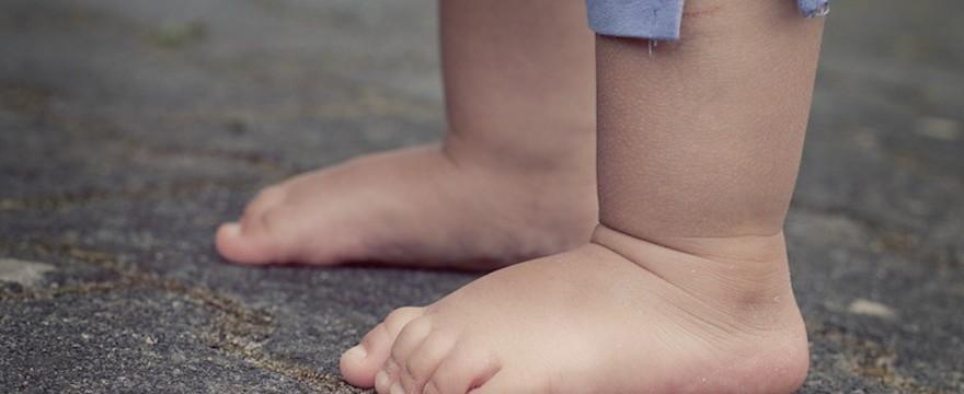 Rozwój stópek u malucha - co każdy rodzic powinien wiedzieć