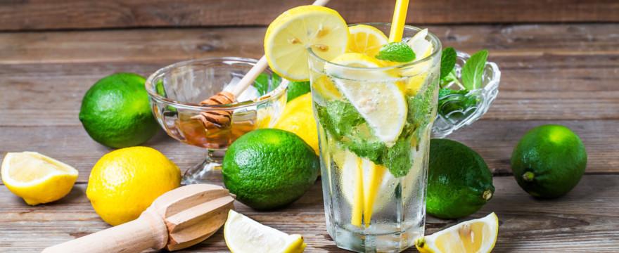 Pyszna lemoniada i inne napoje na upał